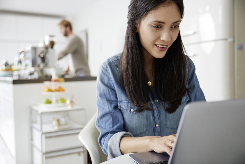 de-ce-este-mai-bine-sa-platesti-facturile-online