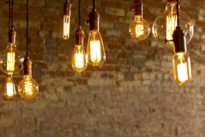consumul-final-de-energie-electrica-a-scazut-in-primele-4-luni-ale-anului