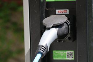 Statii-de-incarcare-a-vehiculelor-electrice-in-cladirile-noi