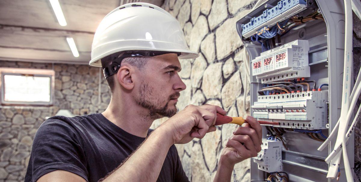 Evită fraudarea contoarelor electrice și de gaze naturale