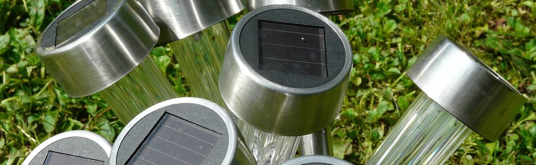 Cum alegi cele mai bune lămpi solare pentru grădina ta?
