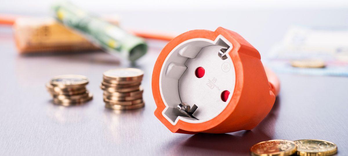 AFEER: Factura la energie electrică reflectă evoluția de pe piețele de energie interne și internaționale, lipsa investițiilor în capacitățile de producție și costurile ridicate ale certificatelor de CO2