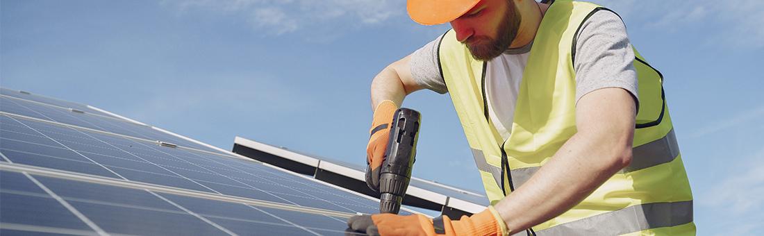 Ce trebuie să ai în vedere atunci când alegi un invertor solar?