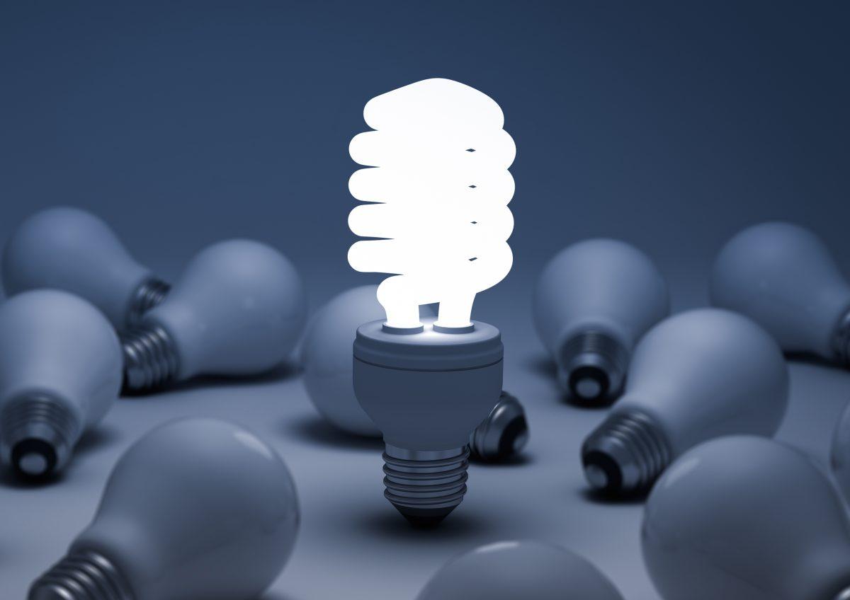 Începând cu 1 septembrie, becurile vor avea etichete energetice mai simple